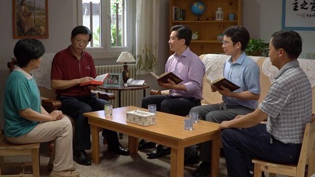 Întrebarea 34: Pastorii religioși și prezbiterii cunosc temeinic Biblia; adesea, ei interpretează Scriptura pentru alții și îi determină să respecte Biblia. Așadar, explicarea și promovarea Bibliei chiar înseamnă a fi martor pentru Domnul și a-L preamări? De ce se spune că pastorii religioși și prezbiterii sunt farisei ipocriți? Încă nu suntem lămuriți în această privință – ai putea să ne răspunzi la întrebare?